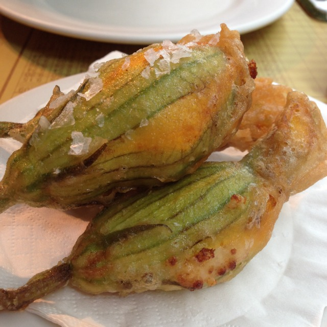 Fried Squash Blossoms With Ricotta at Pizzeria Mozza on #foodmento http://foodmento.com/place/1336
