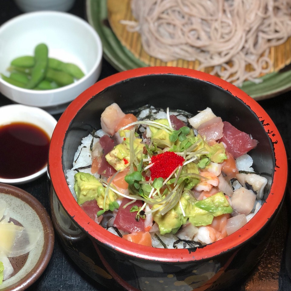 Bara Chirashi Set don ($10 Special) from Soba Totto on #foodmento http://foodmento.com/dish/23921