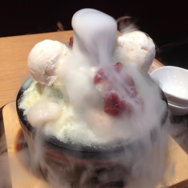 Matcha Shiratama With Ice Cream at Tonkotsu Kazan Ramen 豚骨火山 on #foodmento http://foodmento.com/place/1509