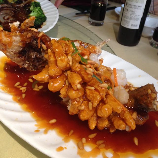 Sauirrel Mandarin Fish at 南伶酒家 Nanling Restaurant on #foodmento http://foodmento.com/place/1587