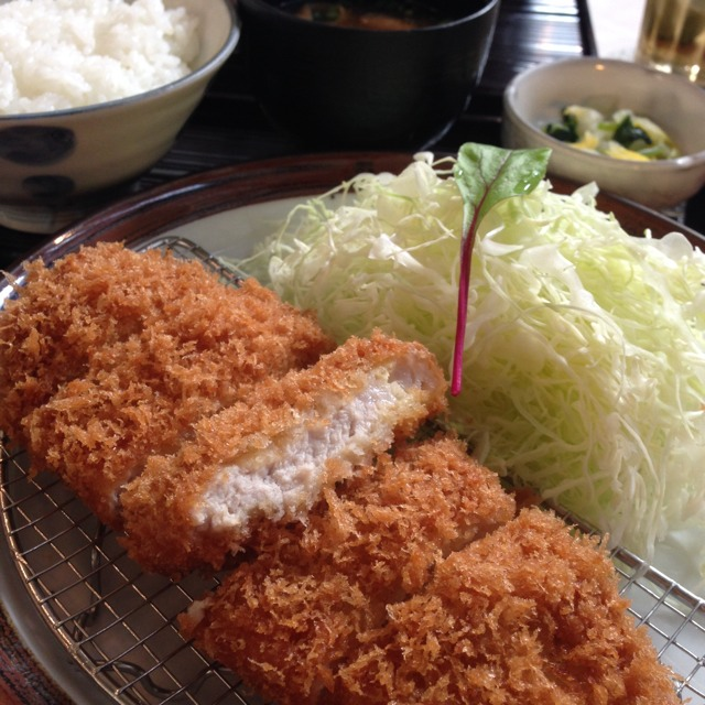 Tonkatsu (Fried Pork Cutlet) at とんかつ まい泉 青山本店 on #foodmento http://foodmento.com/place/1807