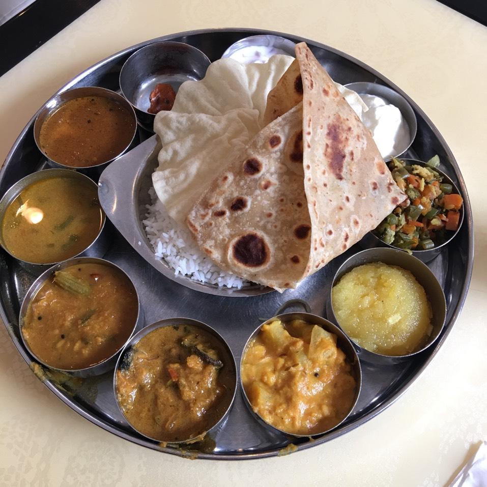 South Indian Thali at Saravanaa Bhavan on #foodmento http://foodmento.com/place/2141