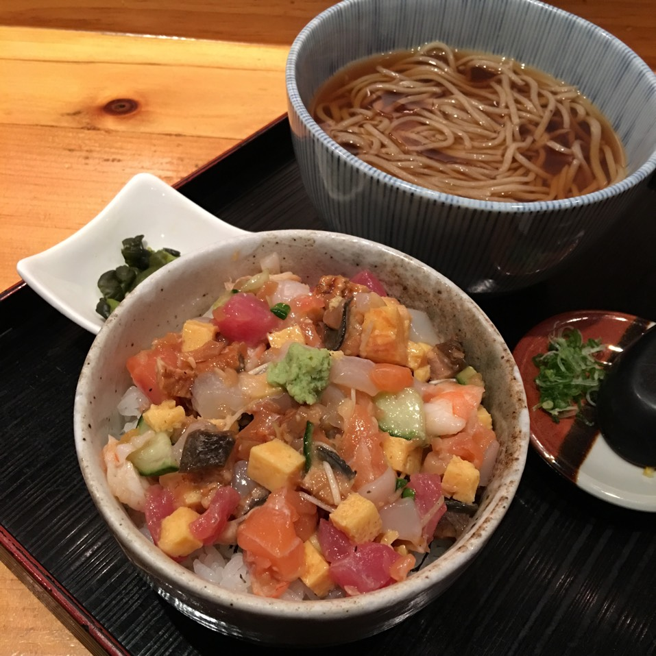 Bara Chirashi and Soba Lunch (Thursdays) at Sakagura on #foodmento http://foodmento.com/place/2510