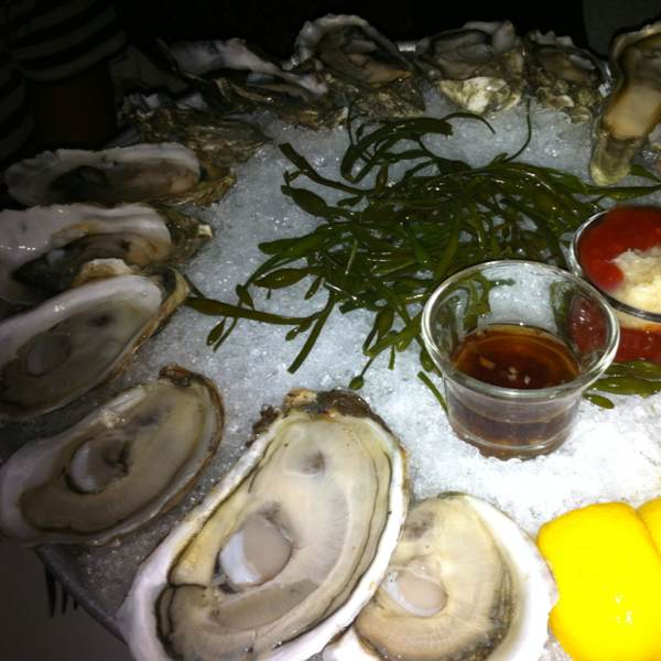 Oysters (Blue Point, La St. Simon, Kumamoto...) at Aquagrill on #foodmento http://foodmento.com/place/298