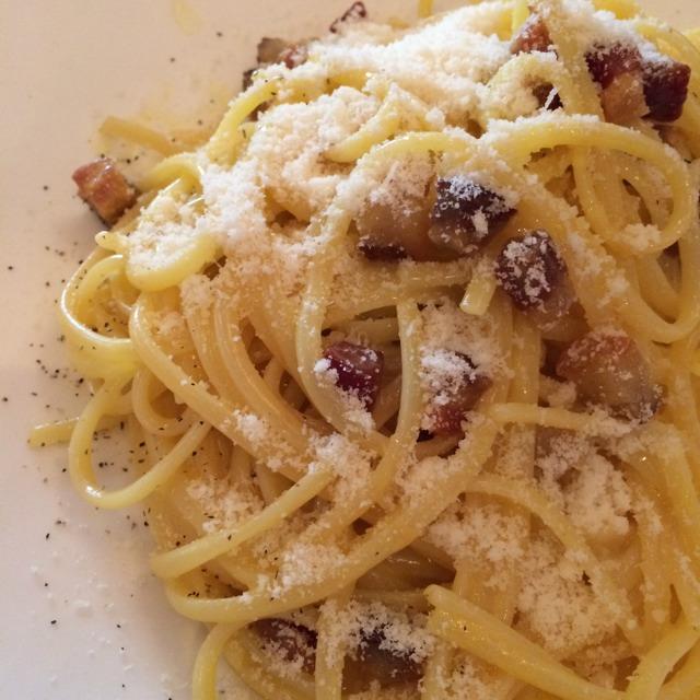 Linguini Carbonara w Egg & Bacon at Antonucci on #foodmento http://foodmento.com/place/302