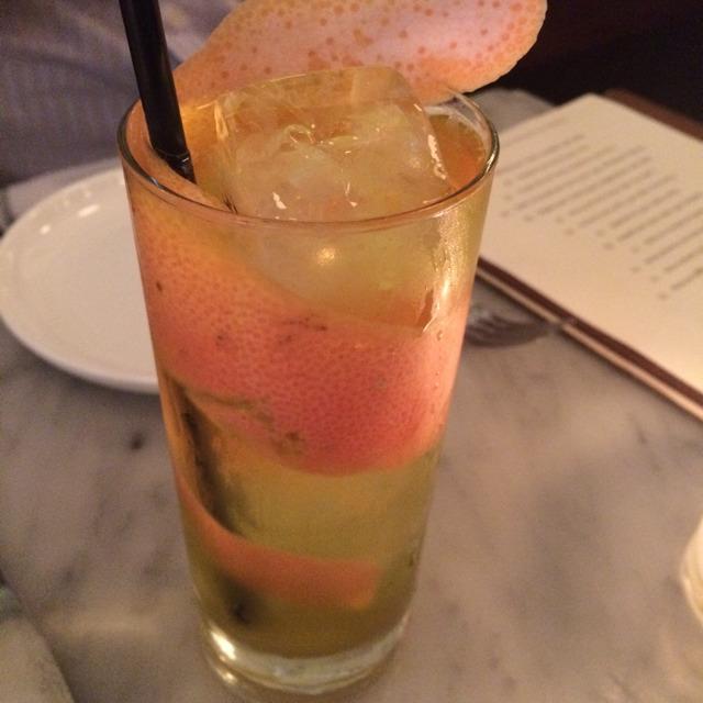 Americano Estela Cocktail (Avèze, Mauro Vergano vermouth bianco, gin, soda) at Estela on #foodmento http://foodmento.com/place/3090