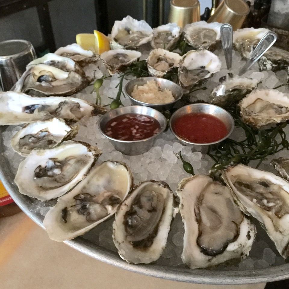 NYC: Oyster Happy Hour on Foodmento