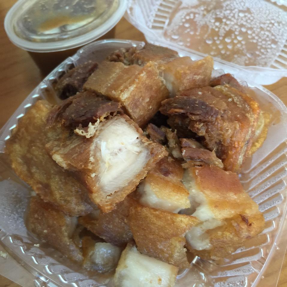 Lechon Kawali - Crispy Pork at Ihawan on #foodmento http://foodmento.com/place/3199