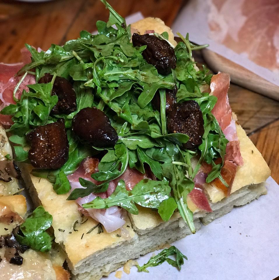 Fig & Prosciutto Focaccia at Rosemary's Enoteca & Trattoria on #foodmento http://foodmento.com/place/3228