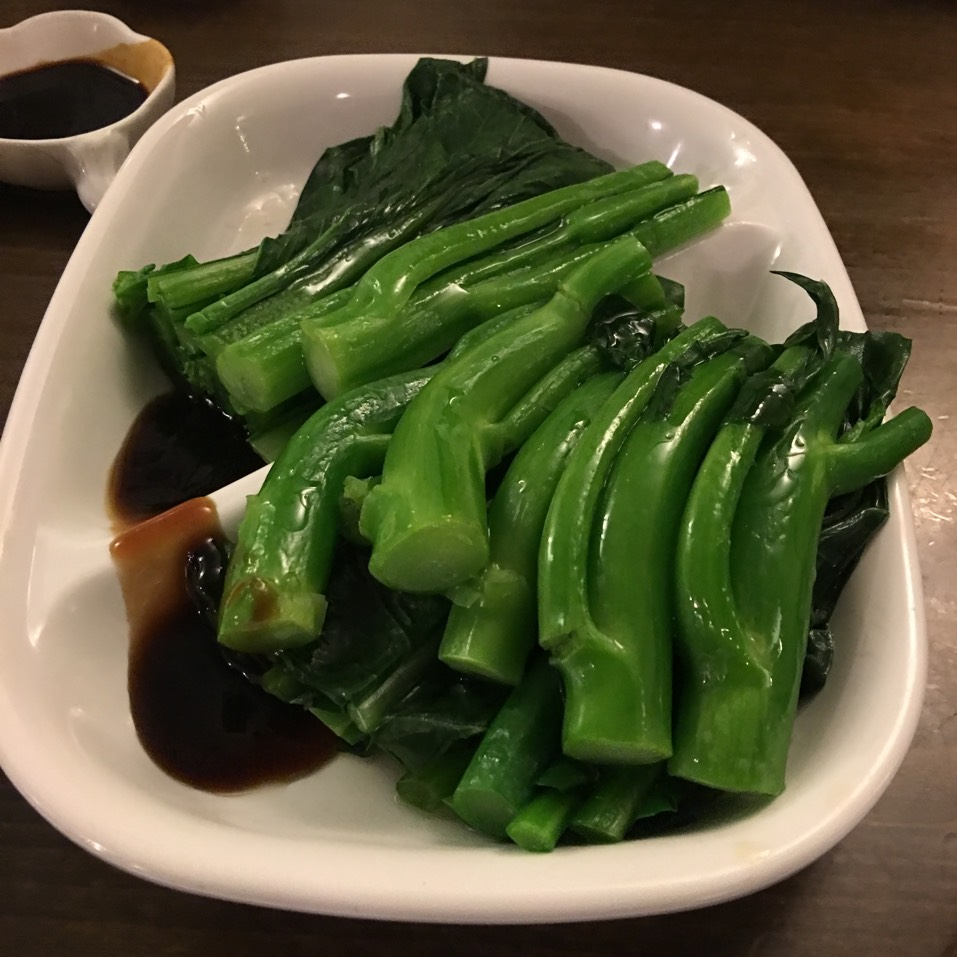 Chinese Broccoli & Yau Chou w/ Oyster Sauce at Noodle Village 粥麵軒 on #foodmento http://foodmento.com/place/3564