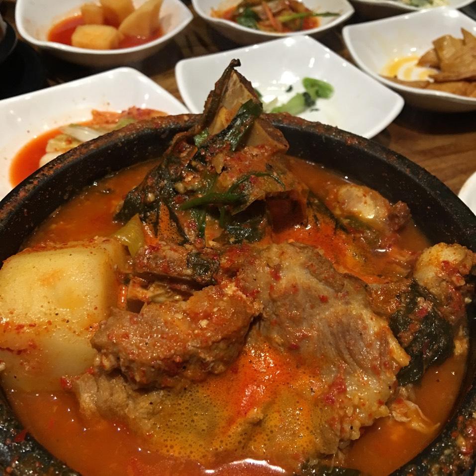 Kam Ja Tang (Spicy Pork Bone Soup) at The Kunjip on #foodmento http://foodmento.com/place/3594