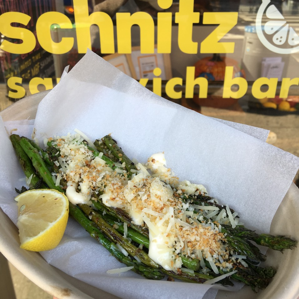 Grilled Asparagus Side at Schnitz on #foodmento http://foodmento.com/place/3792