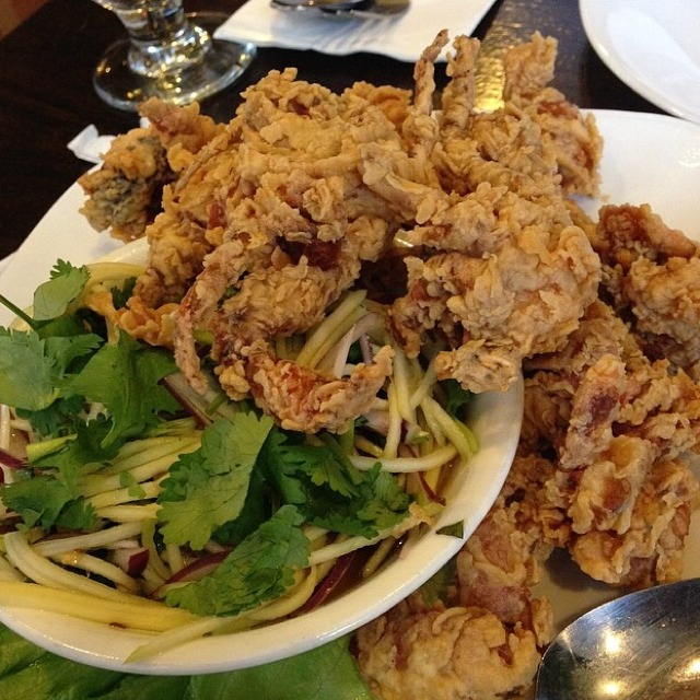 Fried Soft Shell Crab at SriPraPhai Thai Restaurant on #foodmento http://foodmento.com/place/383
