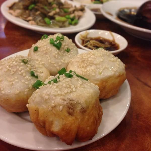Deep-fried Bun Shanghai Style (Shenjianbao) at Pu Dong Restaurant on #foodmento http://foodmento.com/place/392