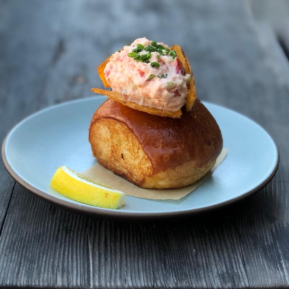 Lobster Roll, Celery, Lemon Aioli, Chips on #foodmento http://foodmento.com/dish/16834