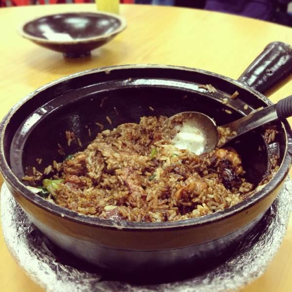 Claypot Rice (Chicken, Chinese Sausage...) at Geylang Claypot Rice on #foodmento http://foodmento.com/place/403