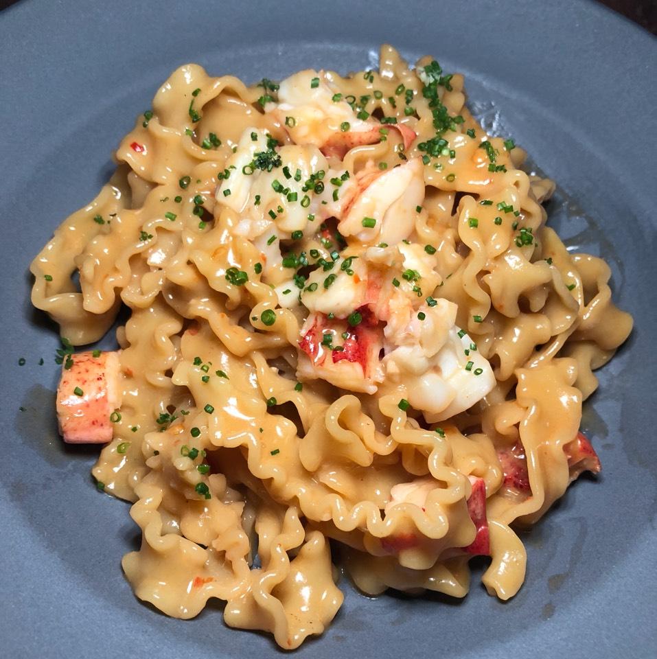 Mafaldine, Maine Lobster, Santa Barbara Uni at République (Republique) on #foodmento http://foodmento.com/place/4460