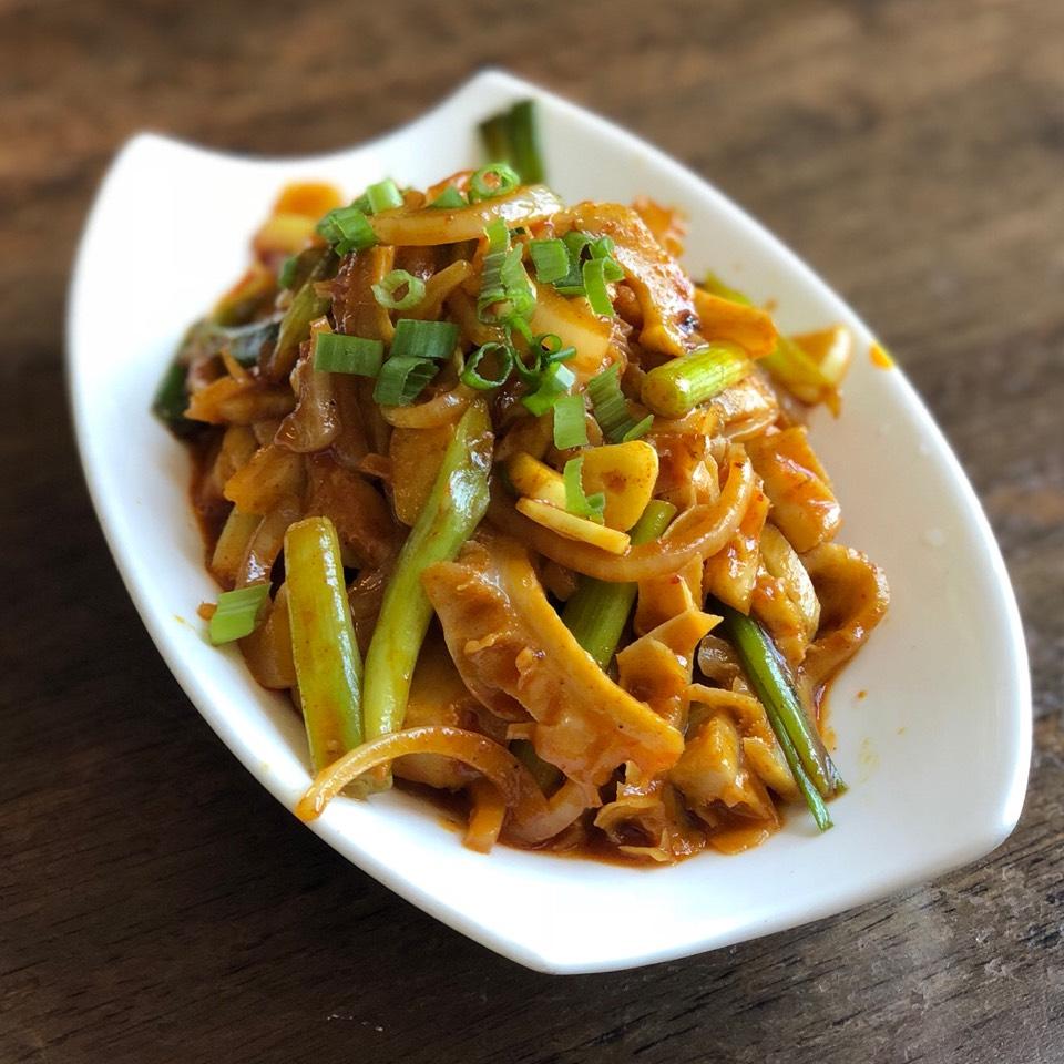 Dropa Khatsa (Spicy Beef Tripe) at Phayul on #foodmento http://foodmento.com/place/4826