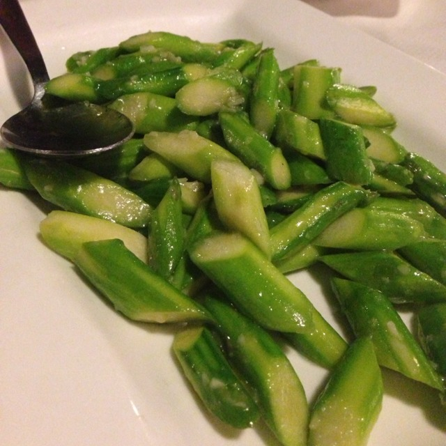 Stir Fried Asparagus at Jumbo Seafood Restaurant on #foodmento http://foodmento.com/place/586