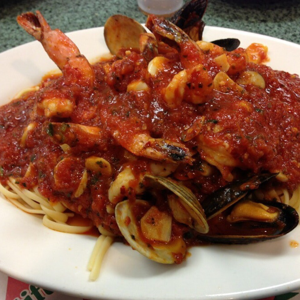 Pasta Fra Diavolo (Seafood Marinara) at Randazzo's Clam Bar on #foodmento http://foodmento.com/place/5884