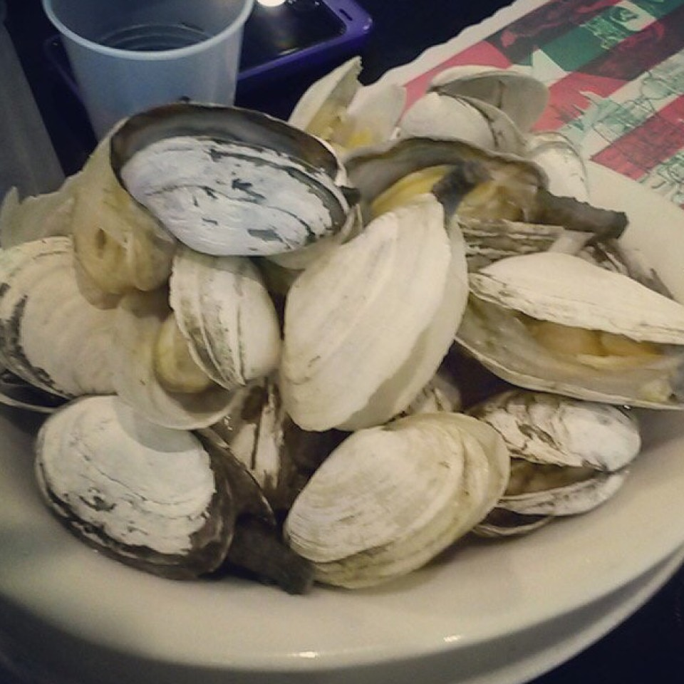 Steamers (Clams) at Randazzo's Clam Bar on #foodmento http://foodmento.com/place/5884