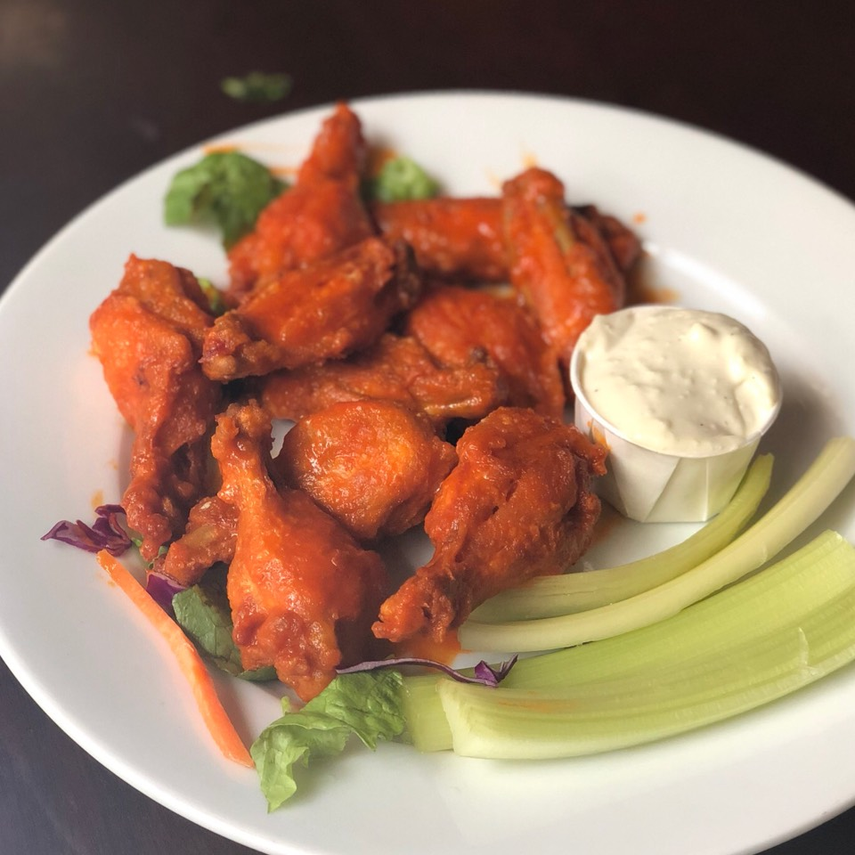 Buffalo Chicken Wings at Old Town Bar on #foodmento http://foodmento.com/place/6263