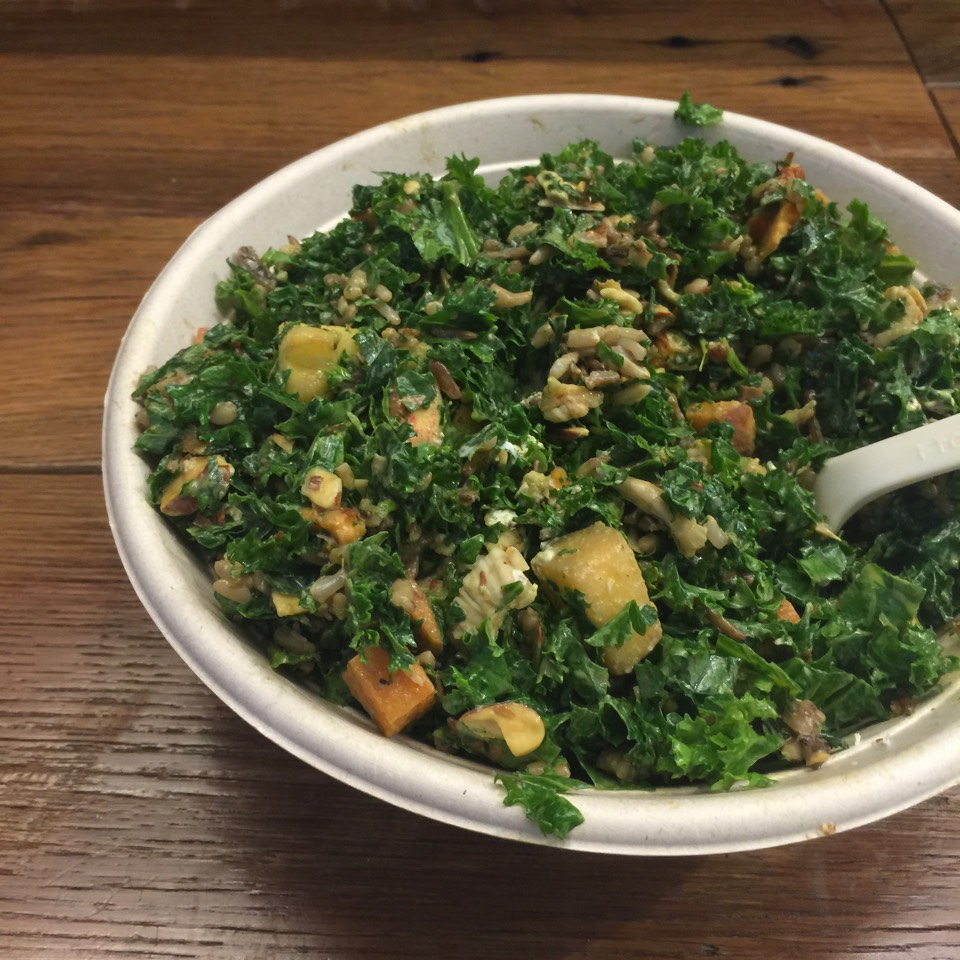 Harvest Bowl (Kale, Wild Rice, Roasted Chicken...) at Sweetgreen on #foodmento http://foodmento.com/place/7617
