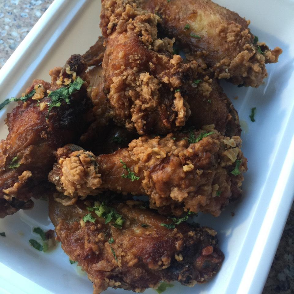Hah Zheung Gai (Shrimp paste chicken wings, celery, crispy garlic, chili vinegar sauce) at Chomp Chomp (CLOSED) on #foodmento http://foodmento.com/place/7668