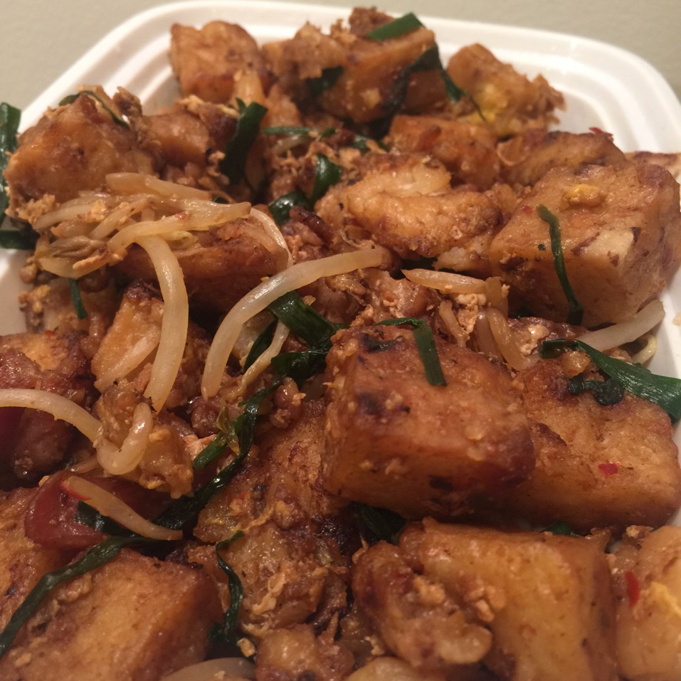 Chye Tao Kueh (Carrot Cake) - Wok fried radish cake with shrimp and Chinese sausage on #foodmento http://foodmento.com/dish/29929