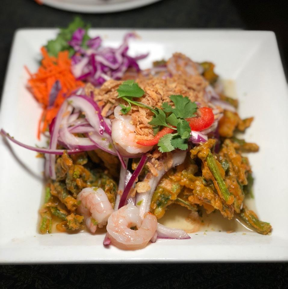 Crispy Morning Glory Salad at Jitlada Thai Restaurant on #foodmento http://foodmento.com/place/8591