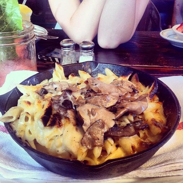 Mushroom Mac & Cheese at Jacob's Pickles on #foodmento http://foodmento.com/place/883