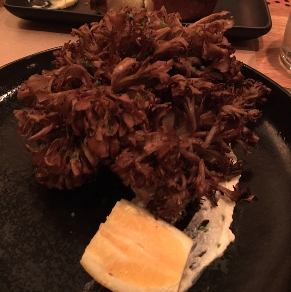 Whole crispy mushroom hen of the woods, cloumage + herbs on #foodmento http://foodmento.com/dish/22559