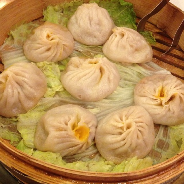 Crab Meat with Pork Meat Steamed Buns (Soup Dumpling) at Joe's Shanghai 鹿嗚春 on #foodmento http://foodmento.com/place/1248