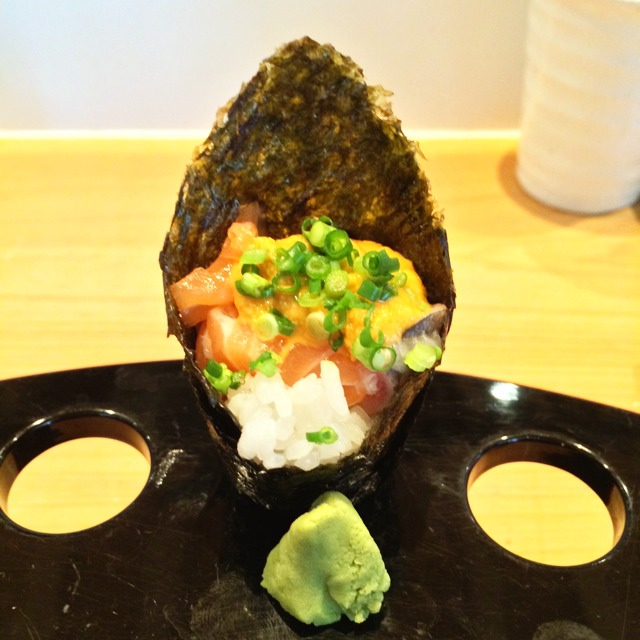 Salmon And Uni Handroll  at Gyotaku 魚作 on #foodmento http://foodmento.com/place/3778