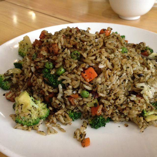 Cedar Fried Rice at Happy Buddha on #foodmento http://foodmento.com/place/3198