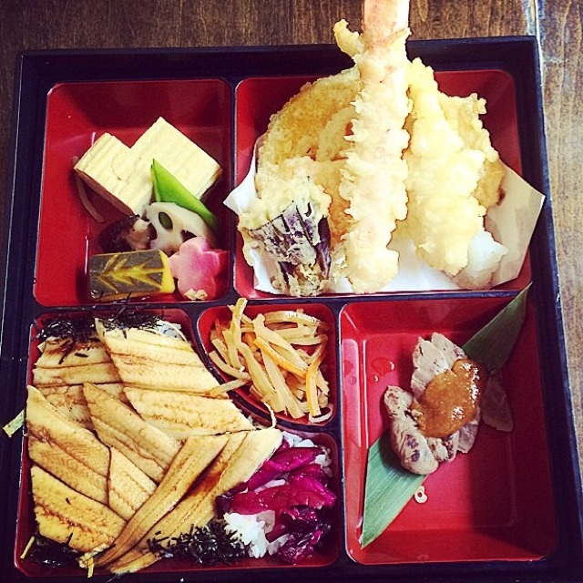 Lunch Box (Soba Noodles, Tempura, Eel, Pickled Veggies, Duck) at SobaKoh (CLOSED) on #foodmento http://foodmento.com/place/3388