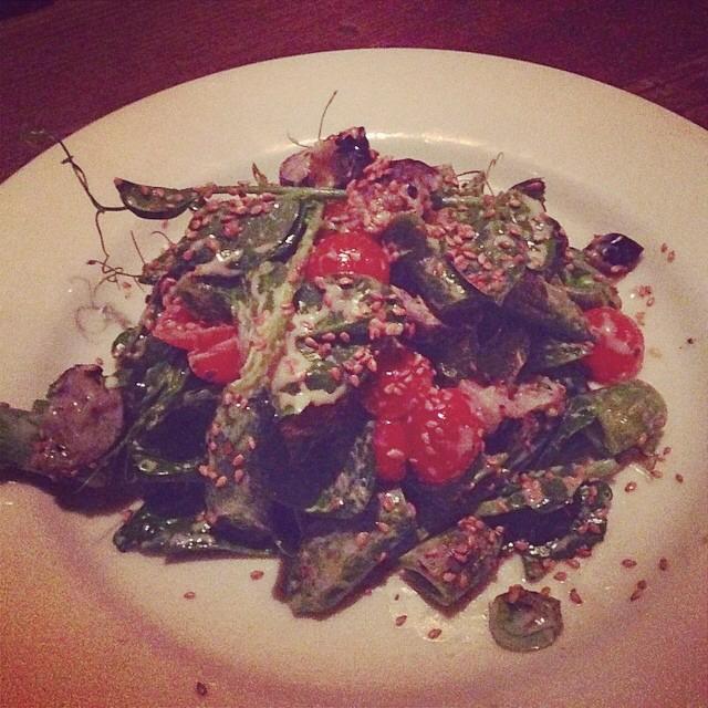 Charred Snow Peas at Gjelina on #foodmento http://foodmento.com/place/2739