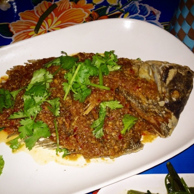Whole Deep Fried Porgy Fish In Sweet Chili Sauce at Pok Pok NY (CLOSED) on #foodmento http://foodmento.com/place/3173