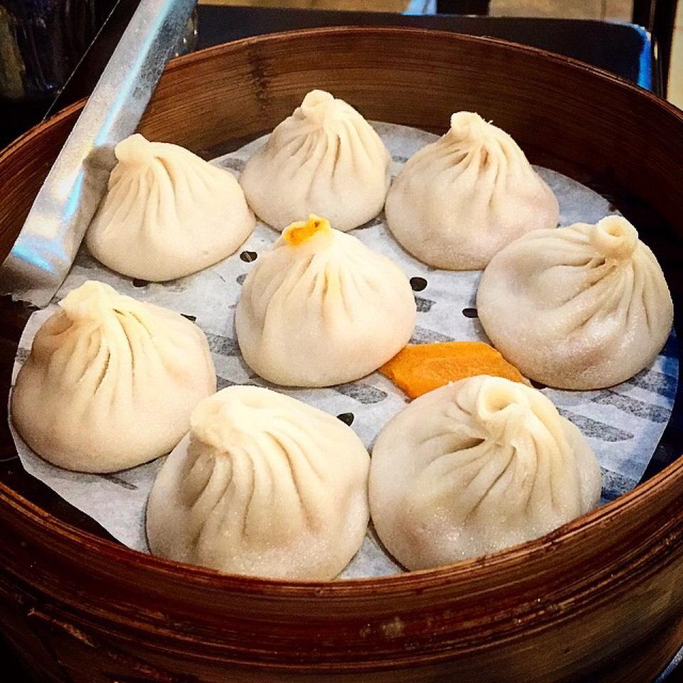 Crab & Pork Soup Dumplings (Xiao Long Bao) on #foodmento http://foodmento.com/dish/20867