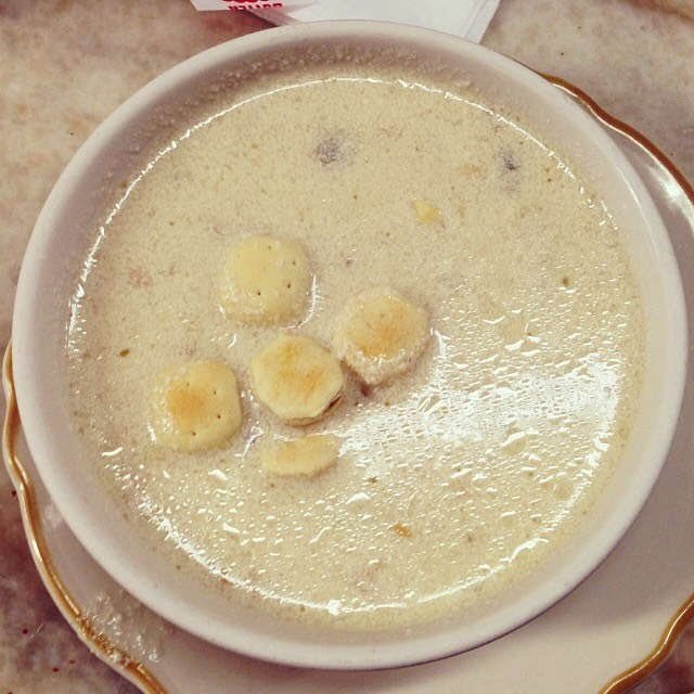 Boston Clam Chowder at Swan Oyster Depot on #foodmento http://foodmento.com/place/524